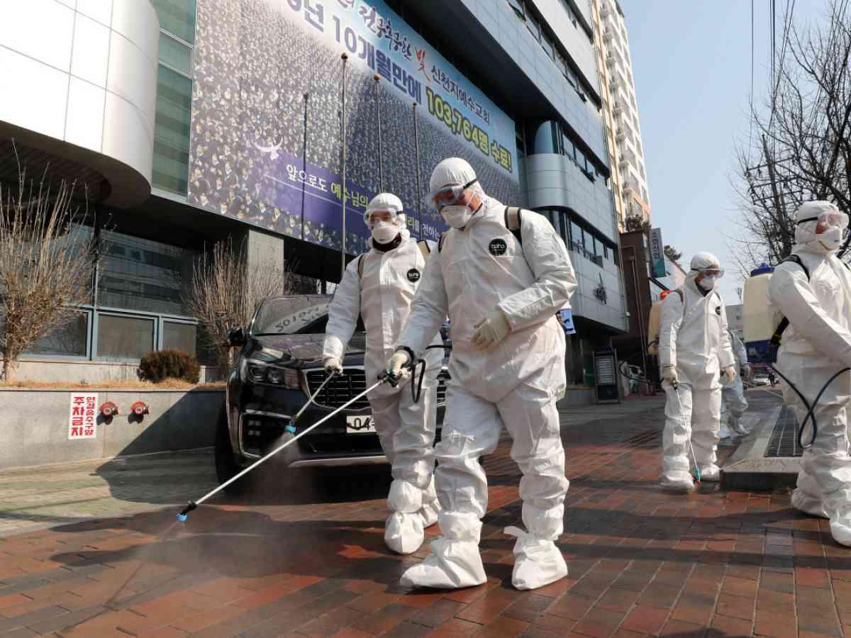 South Korea screens thousands of worshipers for coronavirus