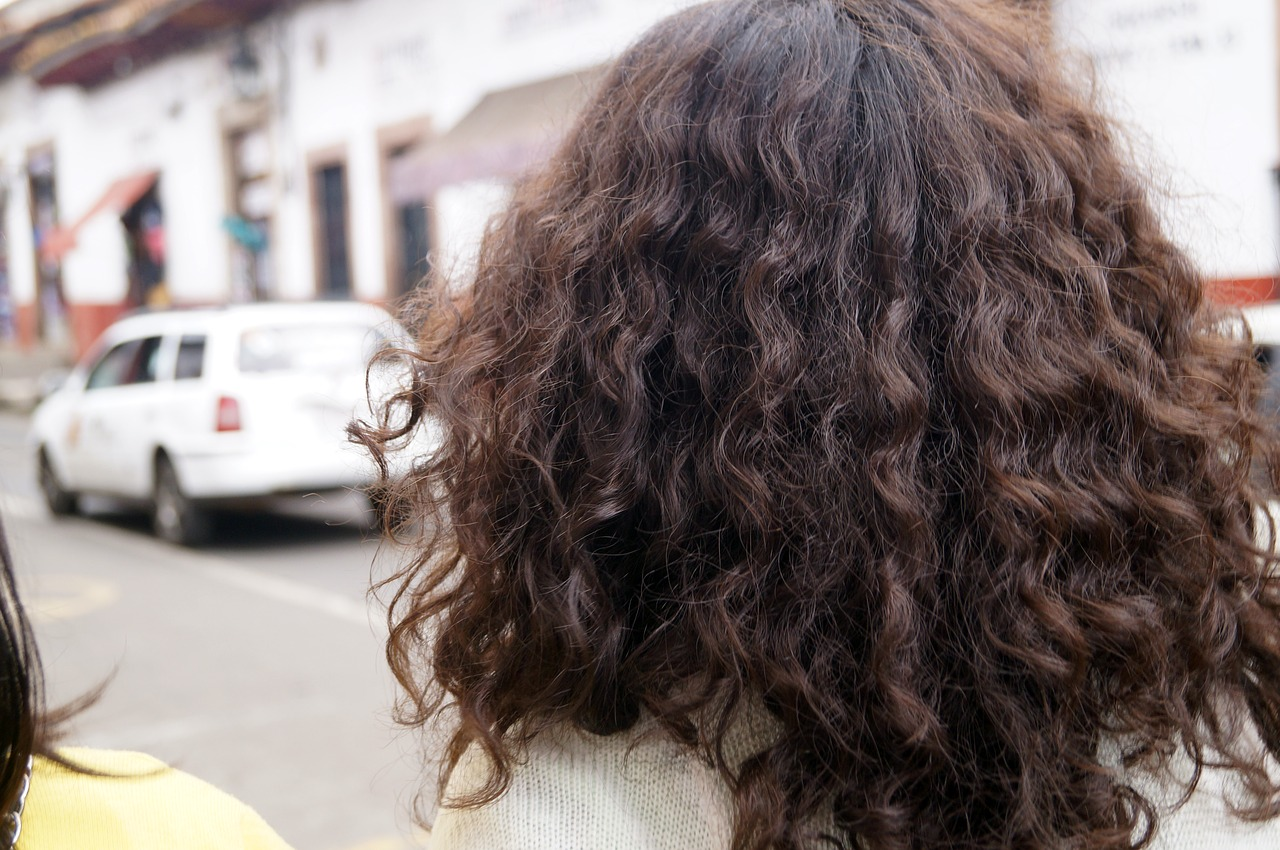 causes for split ends on hair
