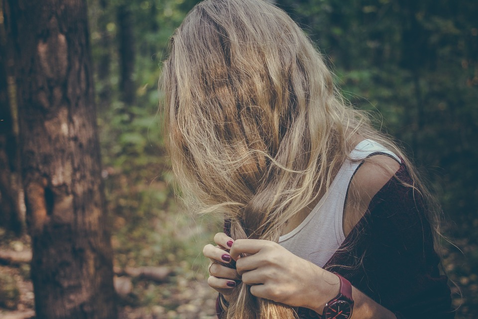Natural remedies to get rid of split ends causing hair loss